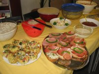 hergerichtetes internationales Buffet
